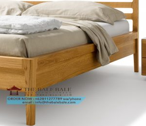 mylon-wood-bed-close-up