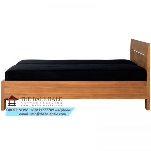bed with slats, mattress ,,